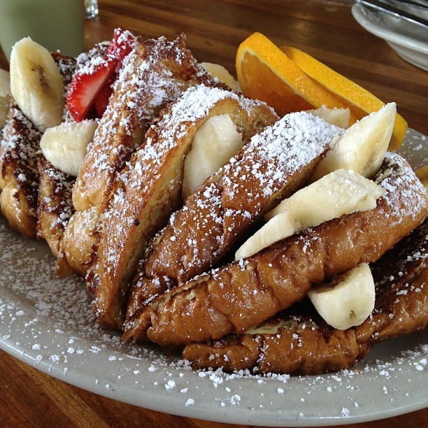 Banana cinnamon French toast - happy Friday!