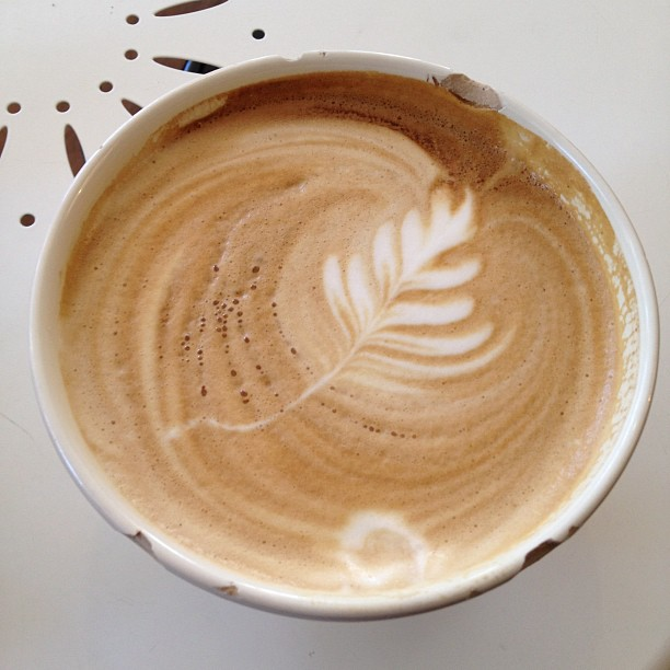 Chipped bowl latte