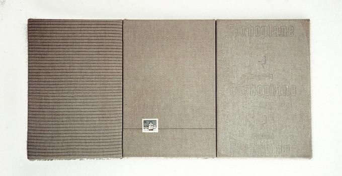 Gabriel Truan el viaje 1 maquina de escribir, sello, papel calco sobre tela (3x) 30 x 20 cm 1992