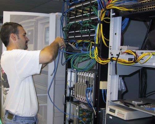 Ofertă job part time: specialist IT
