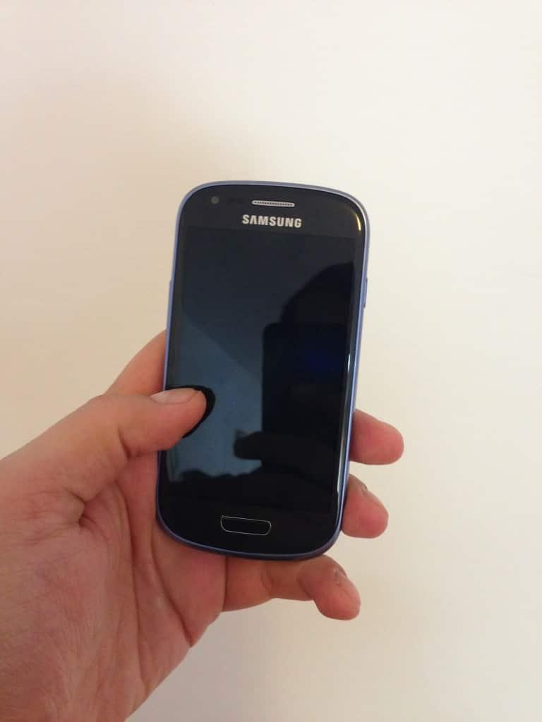 Samsung Galaxy S3 Mini fata