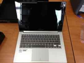 Asus ZenBook Touch fata