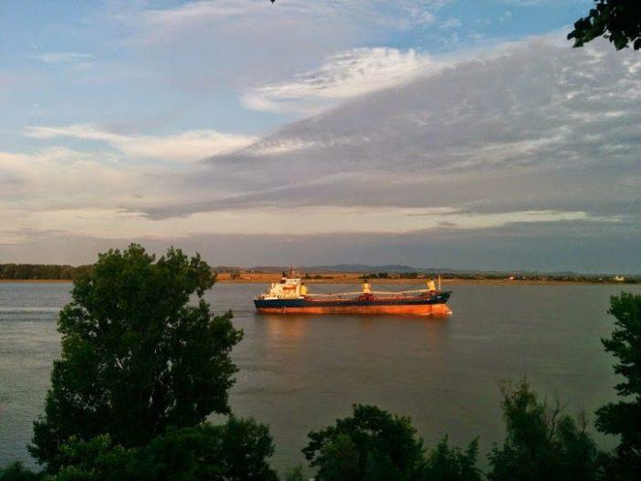 Nava pe Dunare Galati