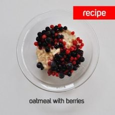 oatmeal-with-berries