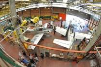 Otra vista del taller donde también se logran apreciar los distintos motores empleados con fines didácticos por los alumnos. (Foto: Esteban Brea)