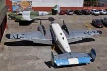 En el patio externo se encontraban expuestos el Gloster Meteor y el C-45 Expeditor. (Foto: Esteban Brea)