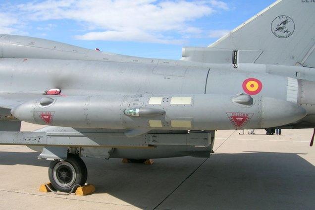 Sistema de perturbación electrónica en la puntera del ala (foto: Fernando Puppio)