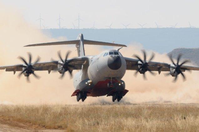 Prototipo del A400M operando desde Ablitas por primera vez (foto: Sergio Ruiz)