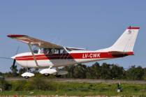 Cessna 172K Skyhawk LV-CWK. (Foto: Andrés Rangugni)