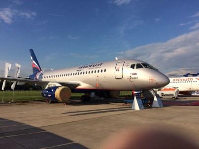 Sukhoi Superjet 100 con con los colores de Aeroflot (foto: Rostec)