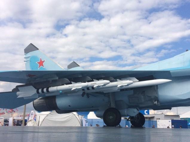 Detalle del armamento lanzable del MiG-35 (foto: Rostec).