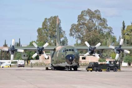 El TC-64 fue el encargado del traslado de autoridades e invitados desde Buenos Aires. (Foto: Mauricio Chiofalo)