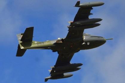 El A-37B FAU 282 decolando del III Aeroshow de Canelones (foto: Octavio Sebastián Morales Rocco).