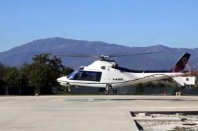 El Agusta 109 I-ANIA fue empleado por el embajador Tomás Ferrari para llegar hasta las instalaciones de Heli World en Anagni (vídeo captura: TG24).