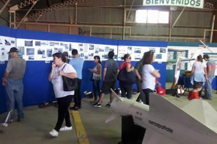 Muestra itinerante del Museo de la Aviación Naval. (Foto: Lorenzo Borri)