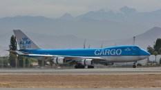 Un viejo conocido en SCEL, muy recurrente los fines de año. Boeing 747-406F(ER) - KLM - PH-CKC (foto: Alexander Secul).