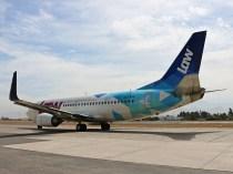 Boeing 737-3, LAW, CC-AVL saliendo con destino a Punta Cana (foto: Luis Quintana)