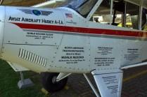 Acercamiento al fuselaje del A-1A Husky CC-ANP en el cual se aprecian los múltiples records logrados por el modelo (foto: Carlos Ay).