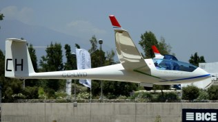 El Ventus CM de Mario Naretto decolando para la primera competencia del evento (foto: Carlos Ay).