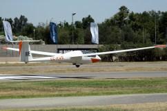 El planeador de Mario Reyes decolando desde Vitacura (foto: Carlos Ay).