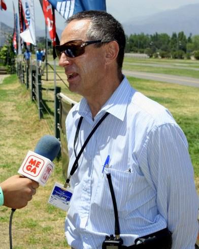 Arturo Diez Voigt, gerente del CPV, fue el director de la competencia y tenia la responsabilidad de probar a los pilotos con distintas pruebas (foto: Carlos Ay).
