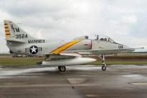 TA-4J Skyhawk en colores de los US Marines (foto: Javier Vera Martínez).