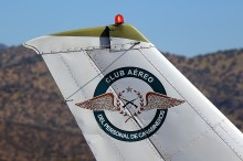 Carabineers Personnel Air Club badge on Cessna 182 CC-KKD (photo: Carlos Ay).