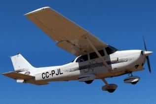 """Skyhawk"": Los Andes Air Club Cessna 172R CC-PJL (photo: Carlos Ay)."