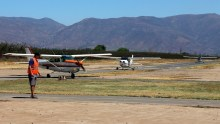 """""""Riders formation returning"""": Los Andes Air Club Cessnas CC-PKQ, CC-PJL and CC-KAD taxiing back to the boarding area (photo: Carlos Ay)."""