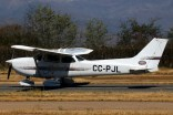 """Skyhawk in the vineyards"": Los Andes Air Club Cessna 172R CC-PJL (photo: Carlos Ay)."