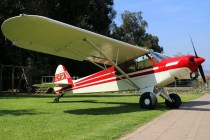 Super Cub: Piper PA-18 CC-PGK (photo: Carlos Ay).