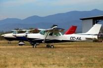 Aerotrust flight line: Cessnas CC-AIL, CC-CQZ and CC-CKS (photo: Carlos Ay).