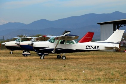 Aerotrust flight line: Cessnas CC-AIL, CC-CQZ and CC-CKS (photo: Carlos Ay).