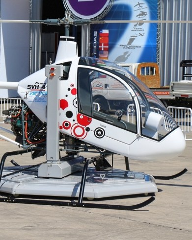 "One of the many ""firsts"" in the civil rotary wings sector, pilot training school, Vertical Helicopter, introduced this Cicaré SVH-4 flight simulator (photo: Carlos Ay)."