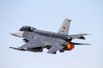 Turkish F-16 taking off at full afterburner (photo: Ronald de Roij and Peter Kooijman)