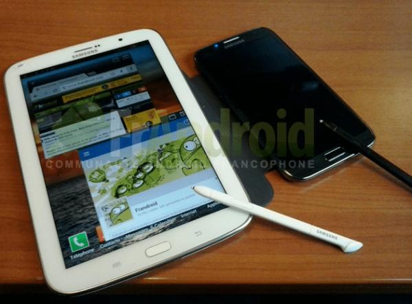 Samsung-Galaxy-Note-8-0-comparat-cu-GALAXY-Note-II