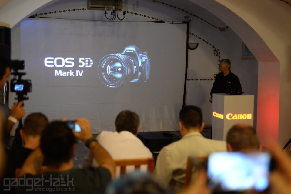 EOS 5D Mark IV oficial disponibil in Romania