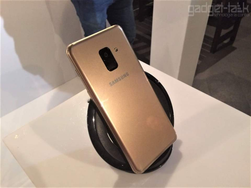 Pretul telefonului Galaxy A8