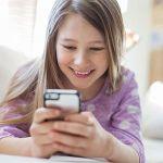 携帯電話って子供が何歳くらいになったら渡すべき?