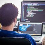 プログラマーになりたいんだけど、やっぱ専門学校に入らないとなれないの?