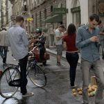 ドイツさん、歩きスマホ対策として路面に信号機を埋め込む