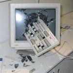 誰かパソコン壊す方法教えてください!