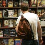 【悲報】アナログ人間ワイ、電子書籍350円よりも文庫本500円を選んでしまう