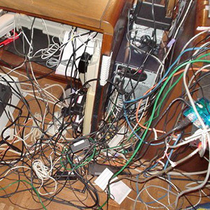 Typical-office-computer-cable-mess
