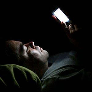 smart-phone-sleeping