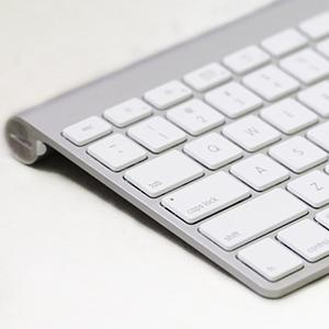 Apple-Bluetooth-Wireless-Keyboard