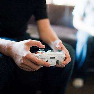 GTY_video_game_playing_jef_131211_16x9_992
