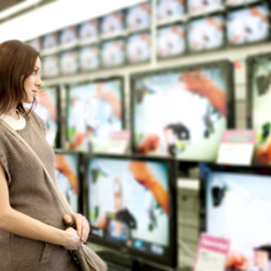 woman-shopping-for-a-tv-425px