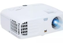 Viewsonic PX700HD gaming projector