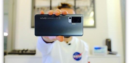 Vivo X51 5G smartphone con gimbal migliore - recensione review | GadgetLand.it